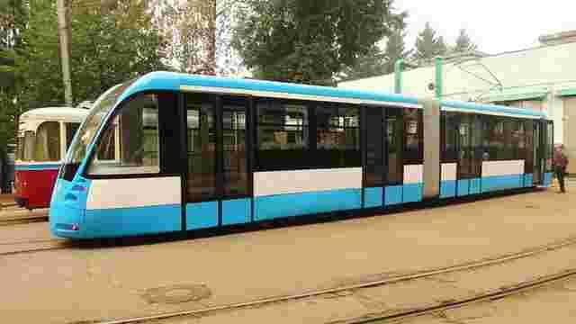У Вінниці презентували сучасний трамвай, перероблений зі старої «Татри»