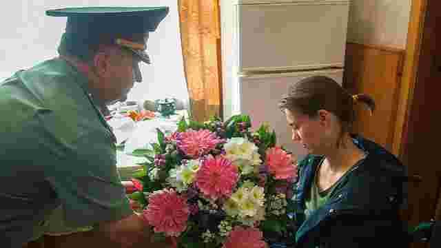 Міністр оборони нагородив волонтерку зі Львівщини, яка втратила обидві ноги у зоні АТО