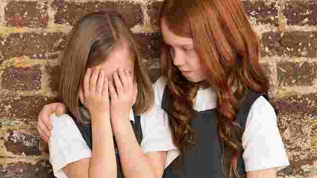 У Львові звільнили вчительку, яка змусила першокласницю стояти перед класом без штанів