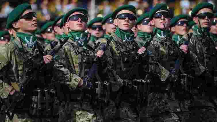 Президент закликав Збройні сили бути готовими до загострення ситуації на Донбасі