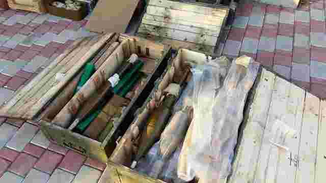 Поблизу Щастя на Луганщині виявили схованку зі зброєю