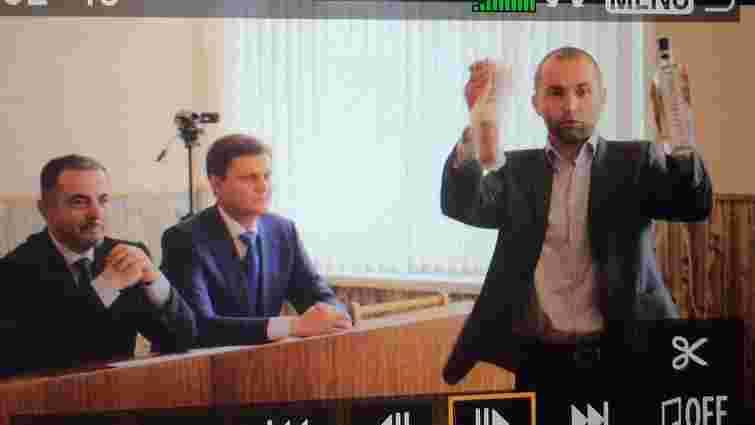 На Херсонщині нардеп від БПП побив ковбасою депутата міськради від «Опоблоку» (відео)