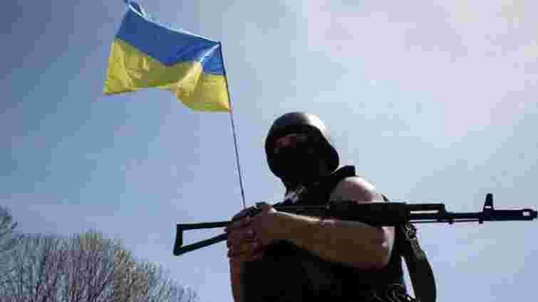 За добу в зоні АТО поранено українського військового, загиблих немає