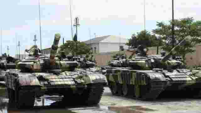 Бойовики стягують військову техніку до Донецька