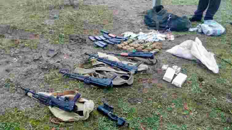 На Житомирщині знайшли рюкзак зі зброєю