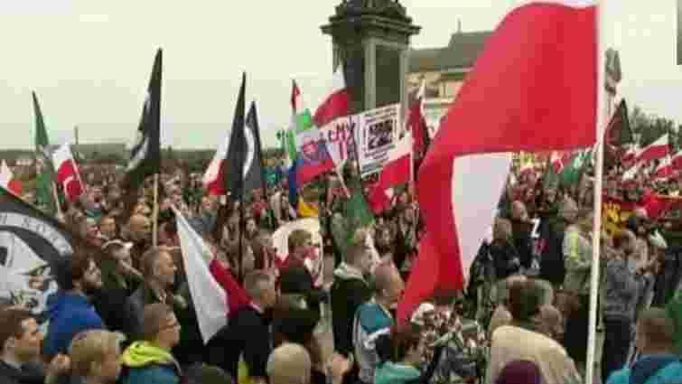 Польща відмовилася приймати біженців за квотами ЄС через теракти у Франції
