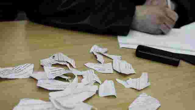 У Луцьку виборець з'їв виборчий бюлетень