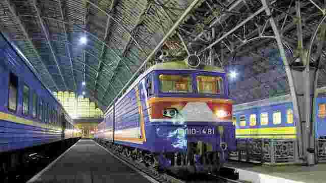На зимові свята Укрзалізниця призначила 10 додаткових поїздів