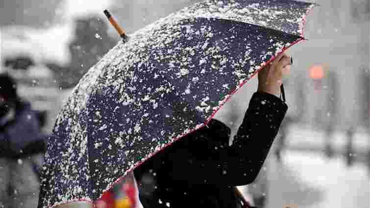 Синоптики прогнозують на вихідних мокрий сніг і ожеледицю