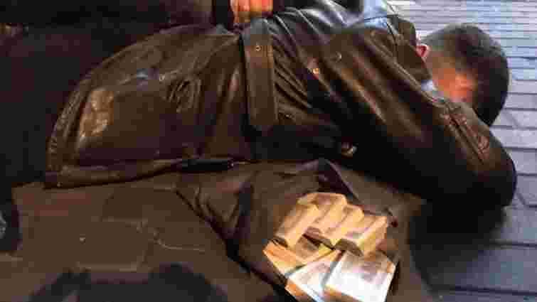 Затриманих на хабарі київських прокурорів арештували з правом внесення застави у понад ₴3 млн