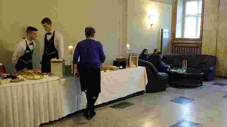 У приміщенні Львівської облради відновили роботу буфету