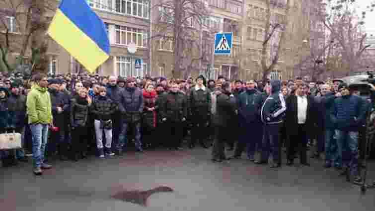 Під будівлею МВС у Києві мітингують міліціонери, які не пройшли переатестацію