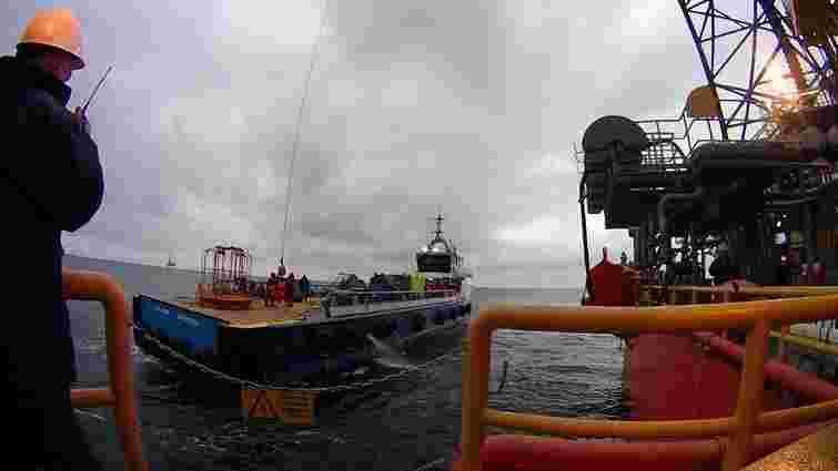 Росія вивезла українські «вишки Бойка» в свої територіальні води