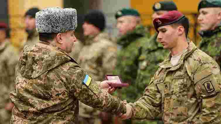 Міністр оборони вручив нагороди військовим зі США, Канади та Литви