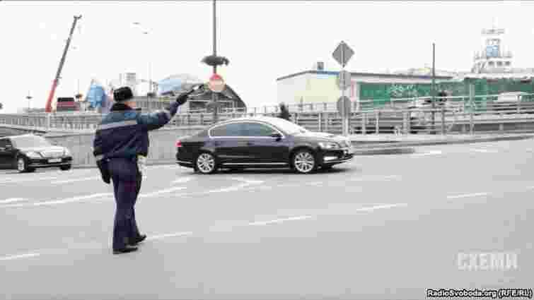 Для проїзду кортежу Яценюка у Києві перекривають дороги і вимикають світлофори