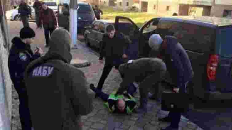 На Рівненщині співробітники НАБУ впіймали на хабарі голову районного суду