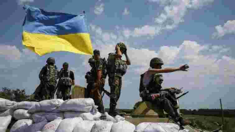 У 2016 році українським військовим значно збільшать зарплати, – Полторак