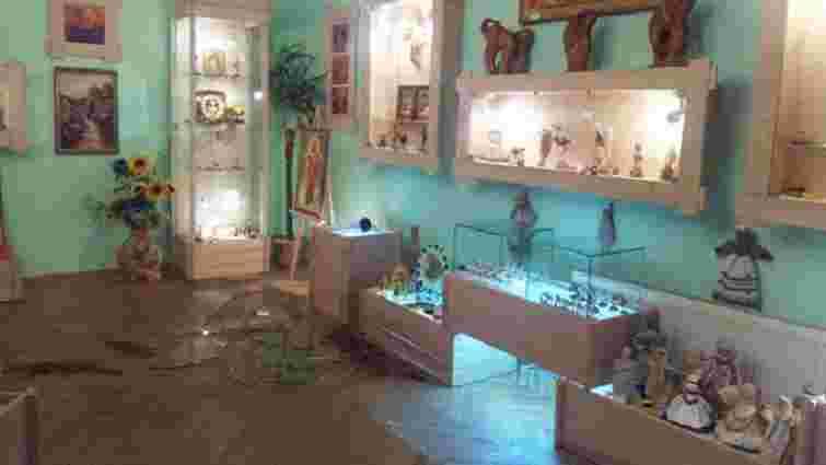З рівненського Музею бурштину вкрали найбільший камінь