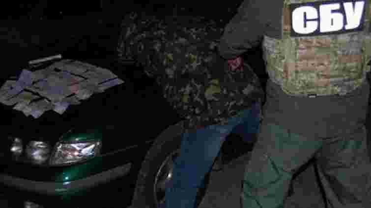 Заступника командира чернігівських прикордонників затримали на хабарі