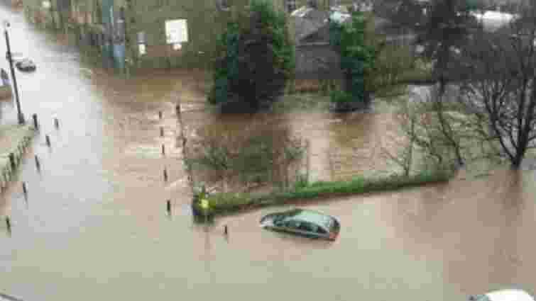 На півночі Англії через повінь оголошено евакуацію