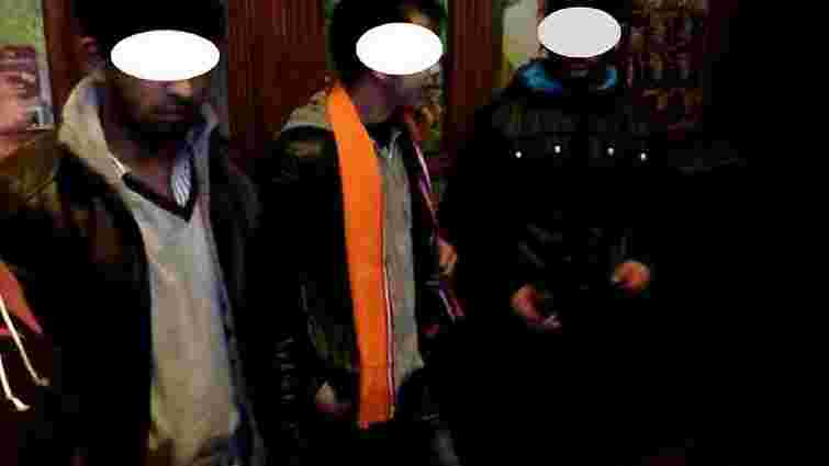 Вночі підлітки із Закарпаття побили і пограбували 21-річного львів'янина