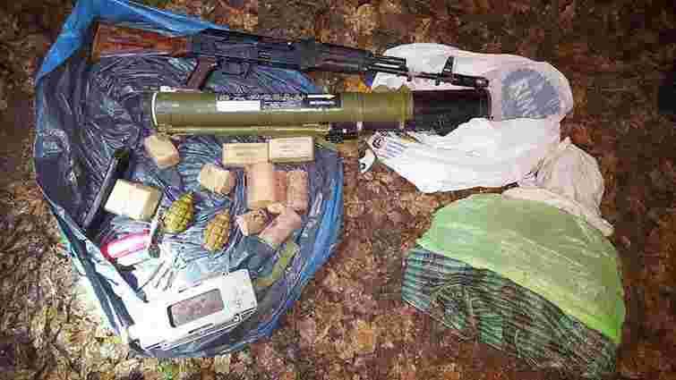 «Харківський партизан» добровільно здався СБУ і показав схованку зі зброєю