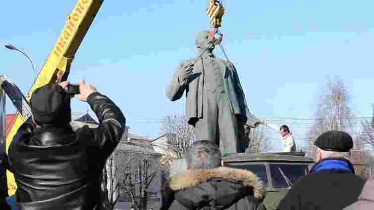 На Харківщині демонтували черговий пам'ятник Леніну