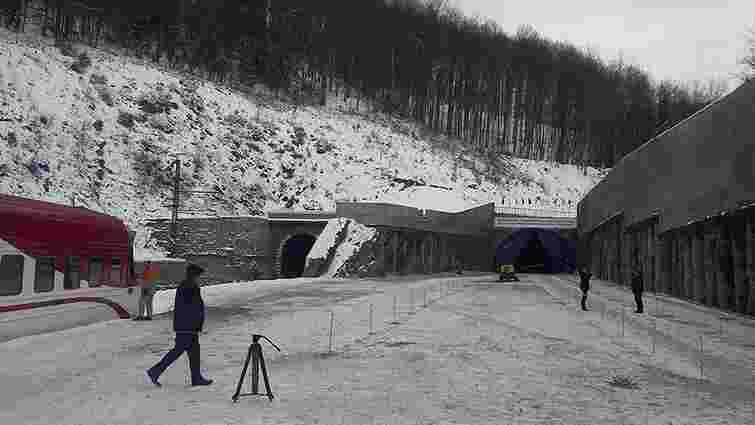У Карпатах завершили перший етап будівництва Бескидського тунелю