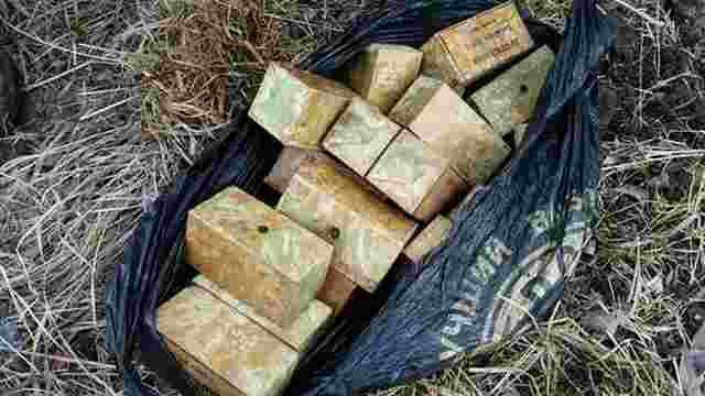 СБУ виявила дві схованки з боєприпасами в зоні АТО