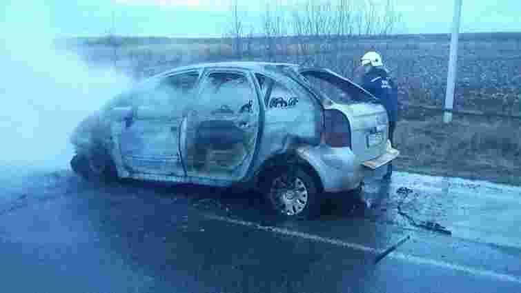 На кільцевій дорозі Львова згорів автомобіль Citroen
