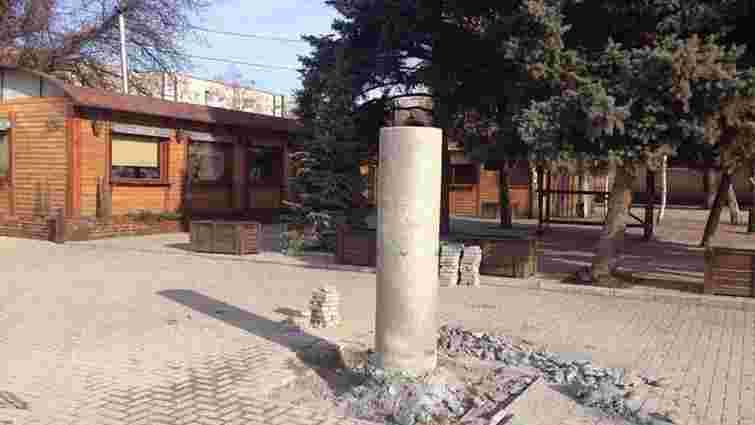 На Запоріжжі демонтували пам'ятник Шевченку