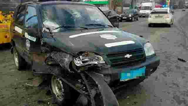 На Житомирщині п'яний водій мікроавтобуса протаранив поліцейське авто