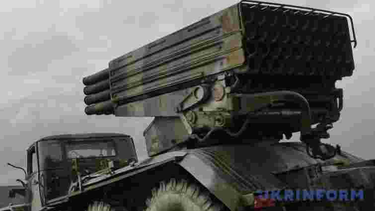 Російські війська біля адмінкордону Криму розгорнули «Гради» і артилерію
