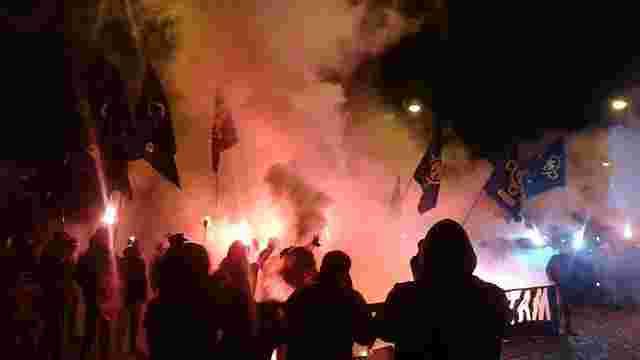 Члени правих організацій провели у Львові смолоскипну ходу