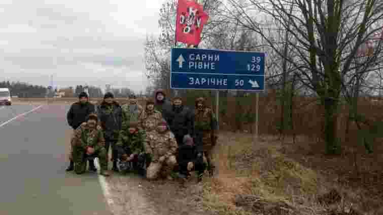 Російські вантажівки почали блокувати на Рівненщині