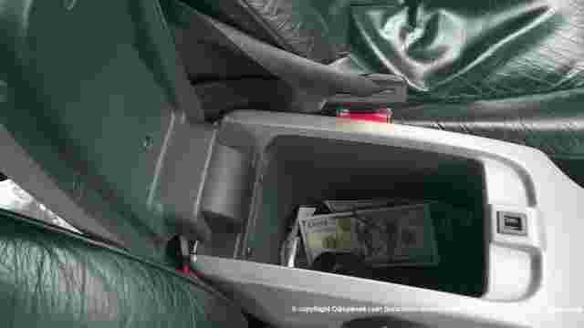 На українсько-російському кордоні затримали водія, який приховав $30 тис. в автомобілі