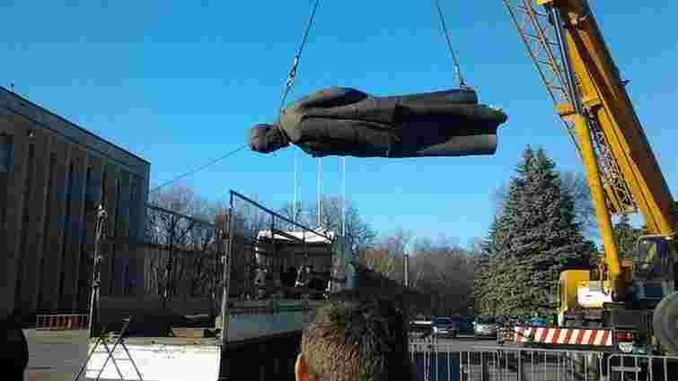У Дніпродзержинську демонтували пам'ятник «залізному Феліксу»