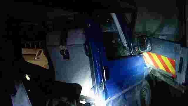 На Львівщині в аварію потрапив автомобіль «Правого сектора», який повертався із суду