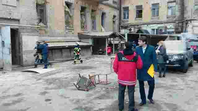 Внаслідок обвалу будинку в центрі Києва загинув будівельник