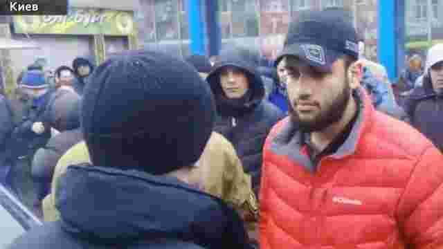 У Києві затримали агресивного водія, який ледь не збив пішохода та покусав поліцейського