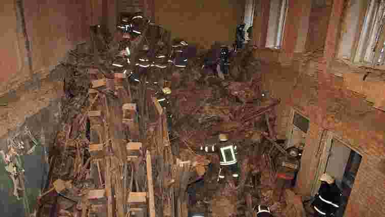 Тіла ще двох людей виявили під завалами будинку в Києві