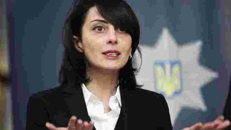 Голова Нацполіції Деканоїдзе просить РНБО втрутитись у ситуацію з бурштином на Рівненщині