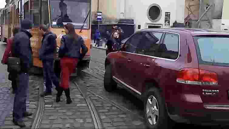Львівська поліція через півтора місяця розшукала і оштрафувала скандальну водійку
