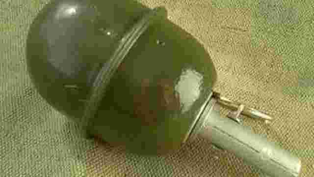 На території військового аеродрому в Луцьку затримали чоловіка з гранатою