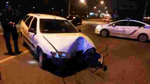 У Львові водій втік з місця ДТП, зірвавши номерні знаки з авто