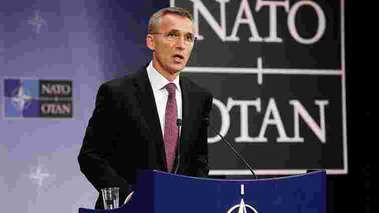 НАТО має відповідати Росії силою і стримуванням, – Столтенберг
