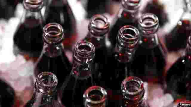 В магазинах Узбекистану почали унормовувати продаж Coca-Cola