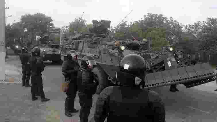 У Молдові соціалісти блокували колону американських військових