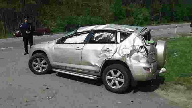 На Львівщині сім'я потрапила в аварію: мама і двоє дітей у лікарні