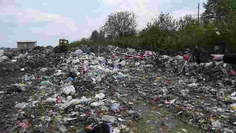 На Львівщині новонароджене немовля викинули на смітник